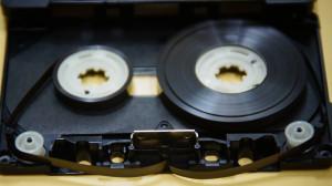 オーディオカセットテープ切断修理前