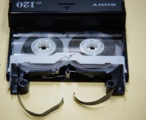 DATテープ修理前(切断)
