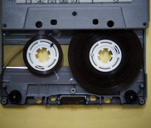オーディオカセットテープ絡まり修復後