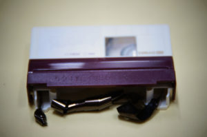 ミニDVテープ修理前